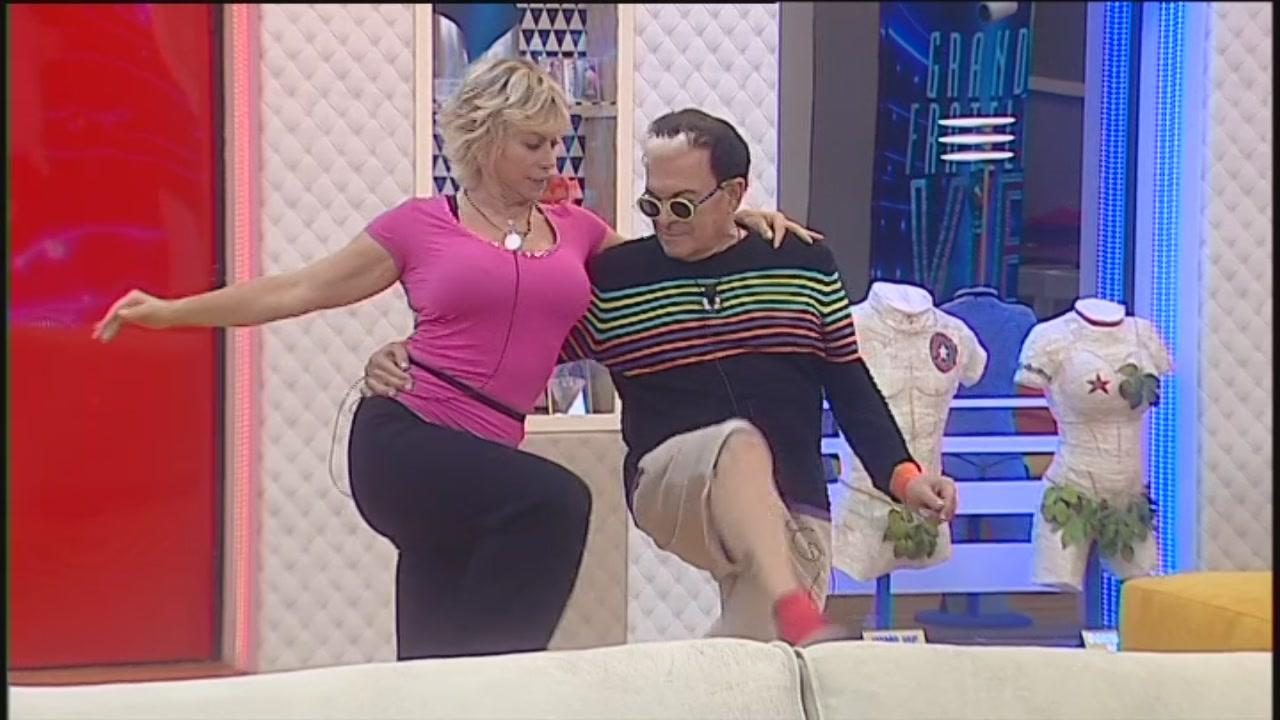 Ay, Mama Carmen!