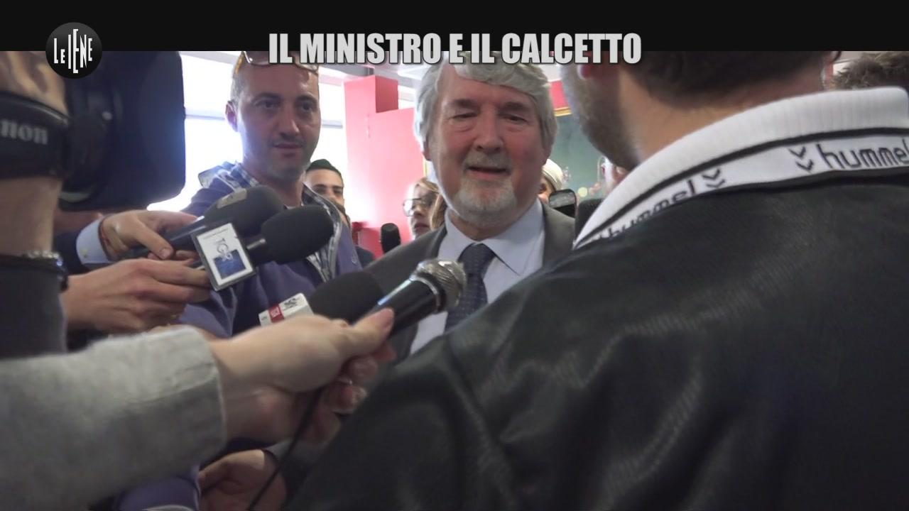 CORDARO: Il Ministro e il calcetto