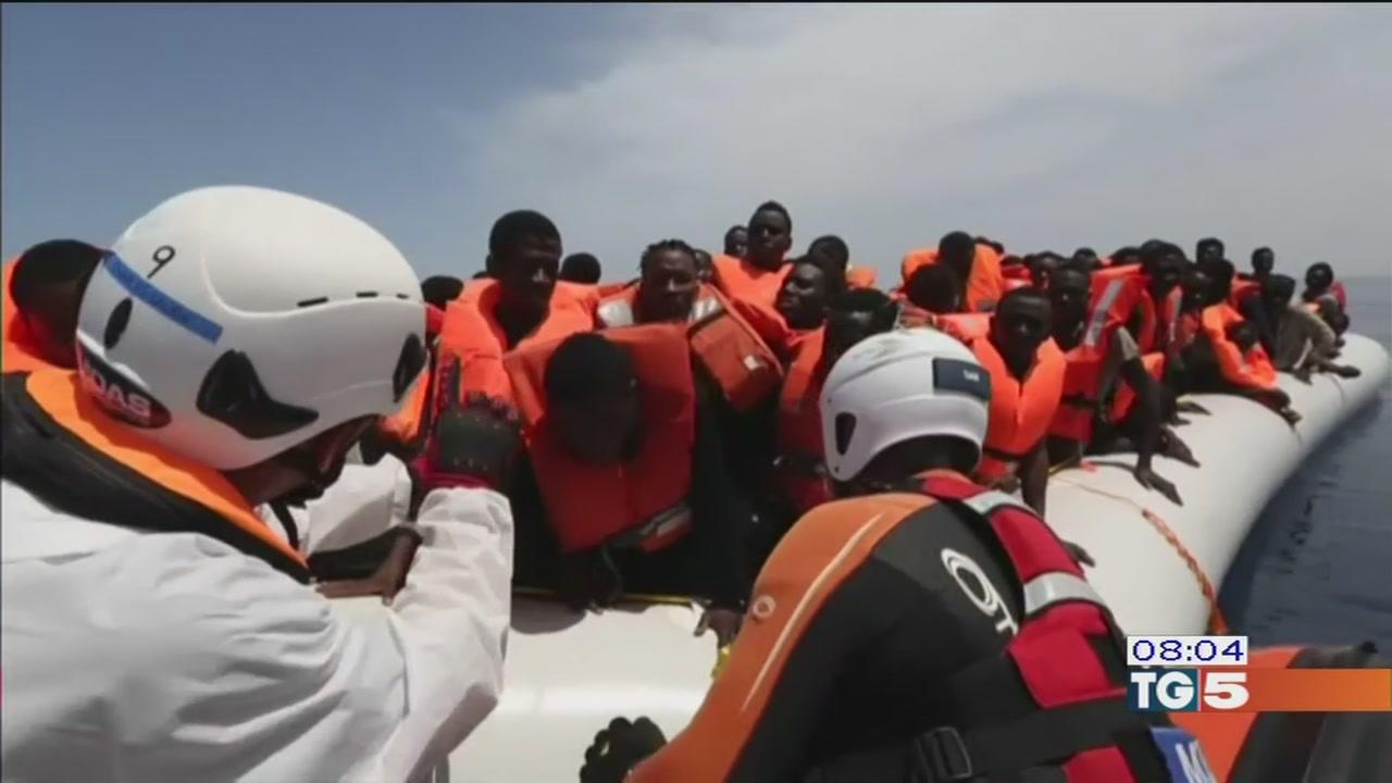 Emergenza migranti tentativo di Macron