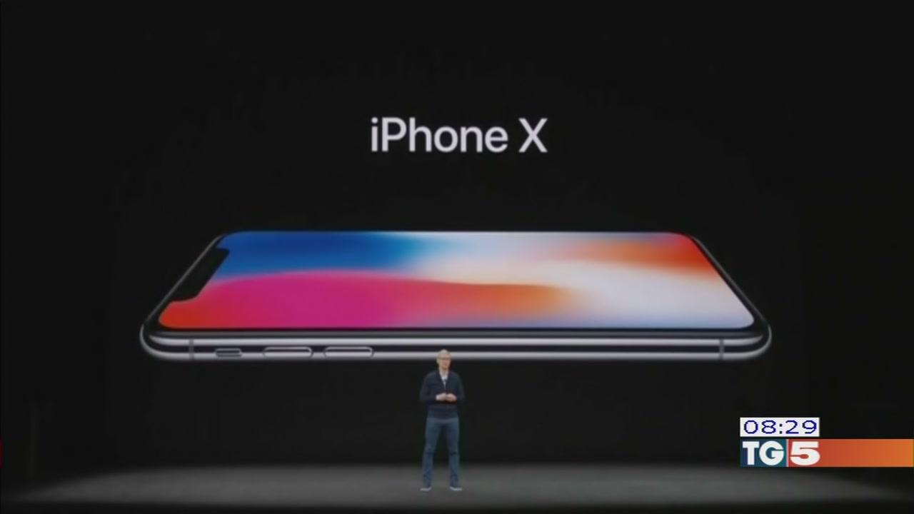 Dieci anni dopo il lancio l'iPhone volta pagina