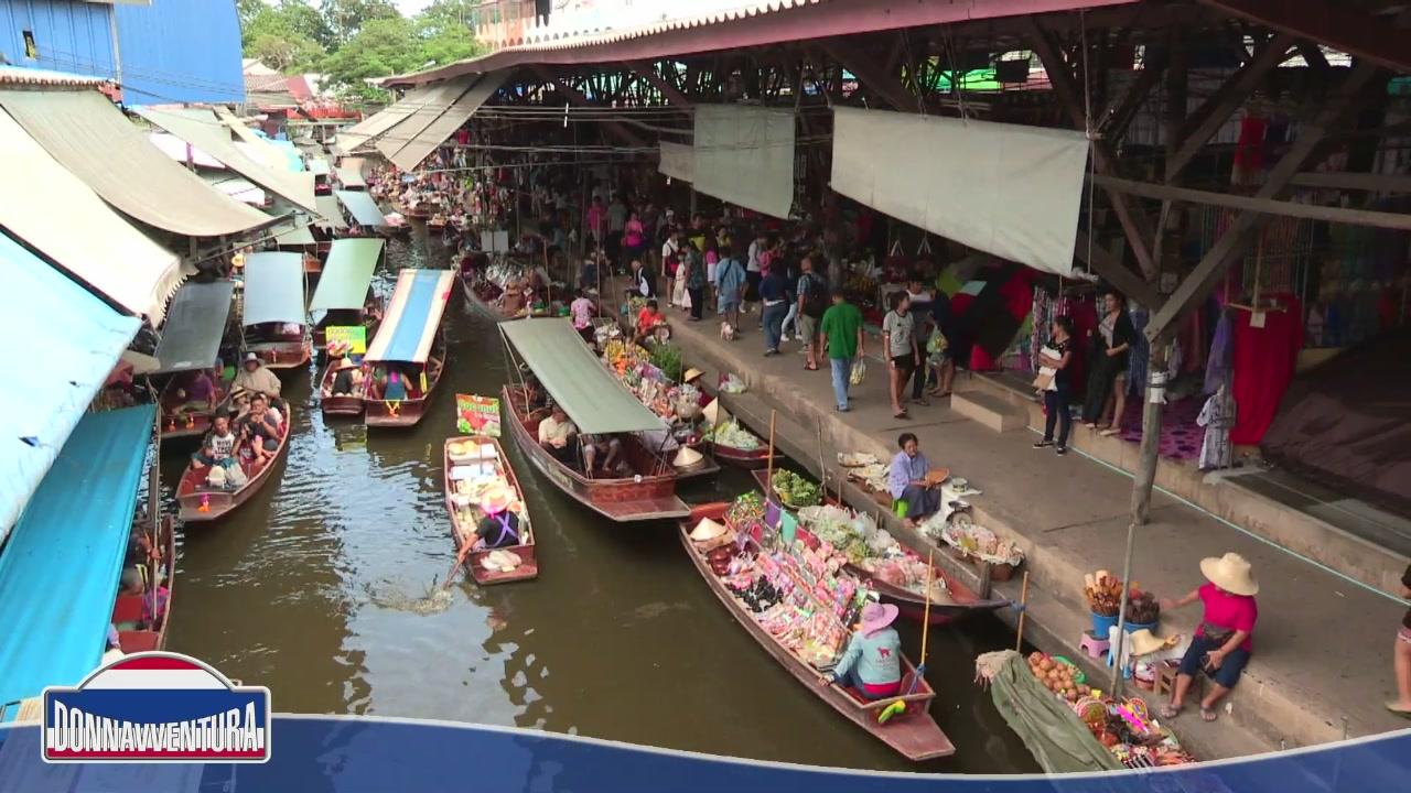 Bangkok, un mix di storia e di profumi