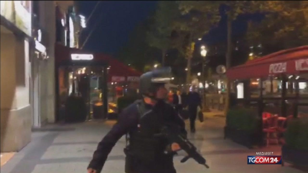 Francia, sono i poliziotti l'obiettivo dei terroristi