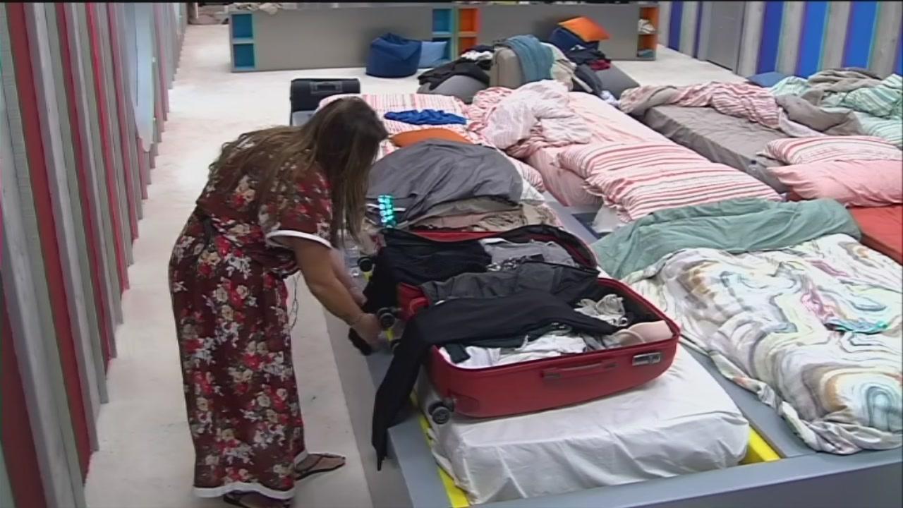 Serena fa i bagagli
