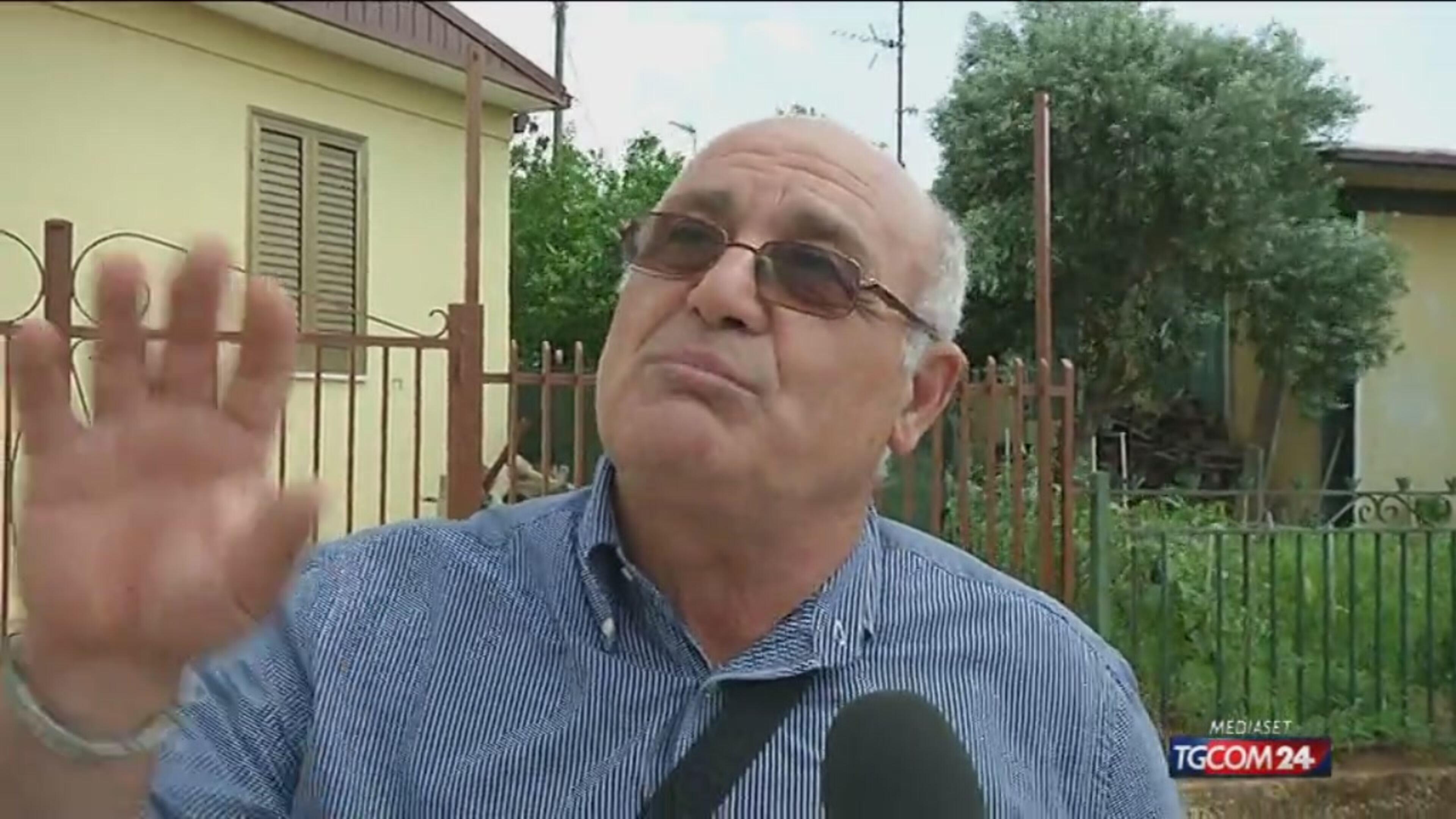 Terremoto in Belice, tra le baracche in amianto