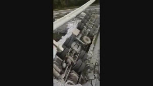 Il crollo del cavalcavia sulla statale 36