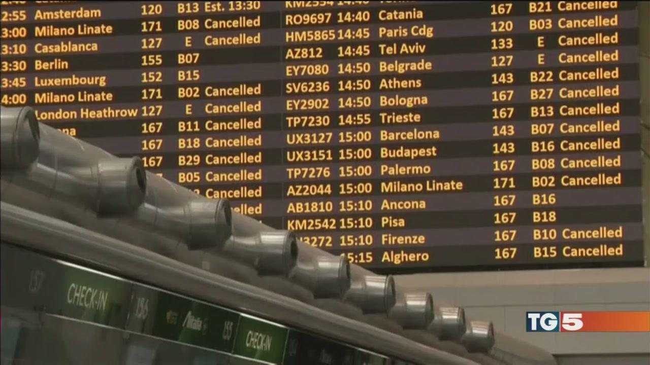 Caos ferie, Ryanair cancella i voli