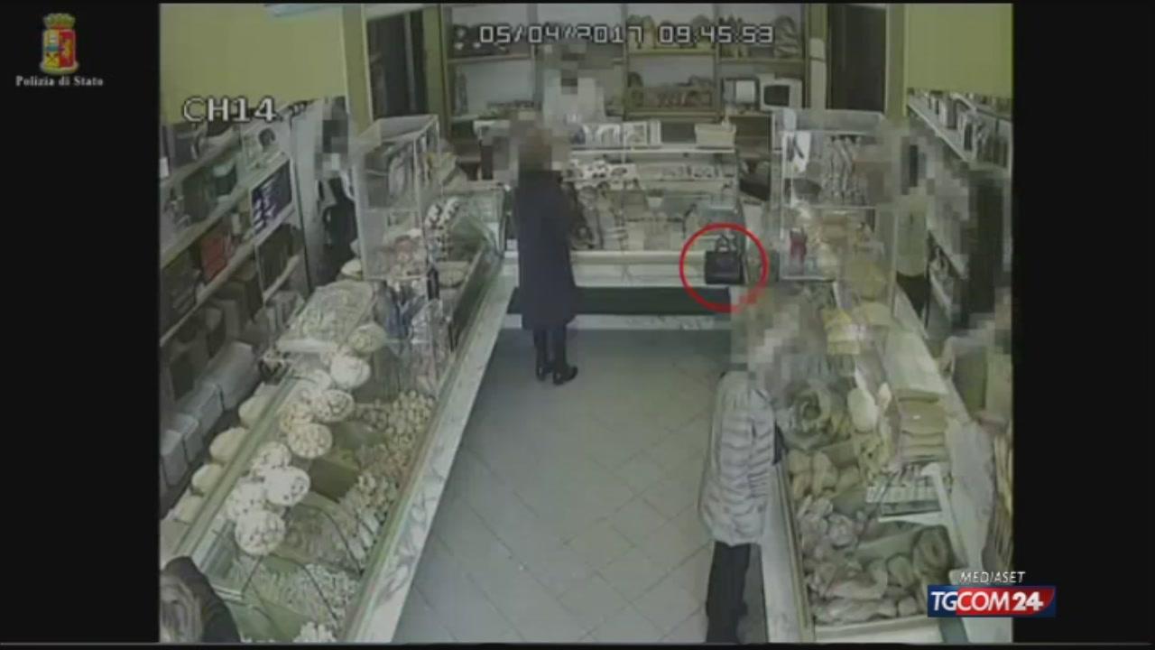Ragusa, ladra 75enne ruba la borsa a una pensionata per poi pentirsi