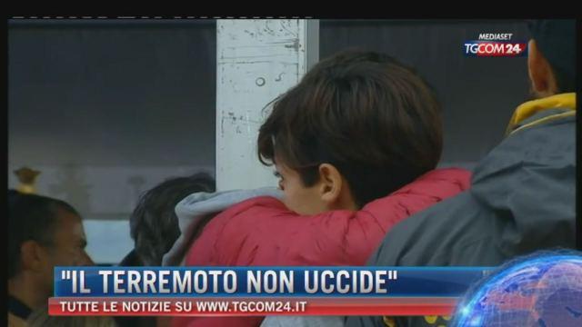 Terremoto: recuperata la sesta vittima nell'hotel Roma. Il vescovo: 'Il killer è l'uomo, non il sisma'