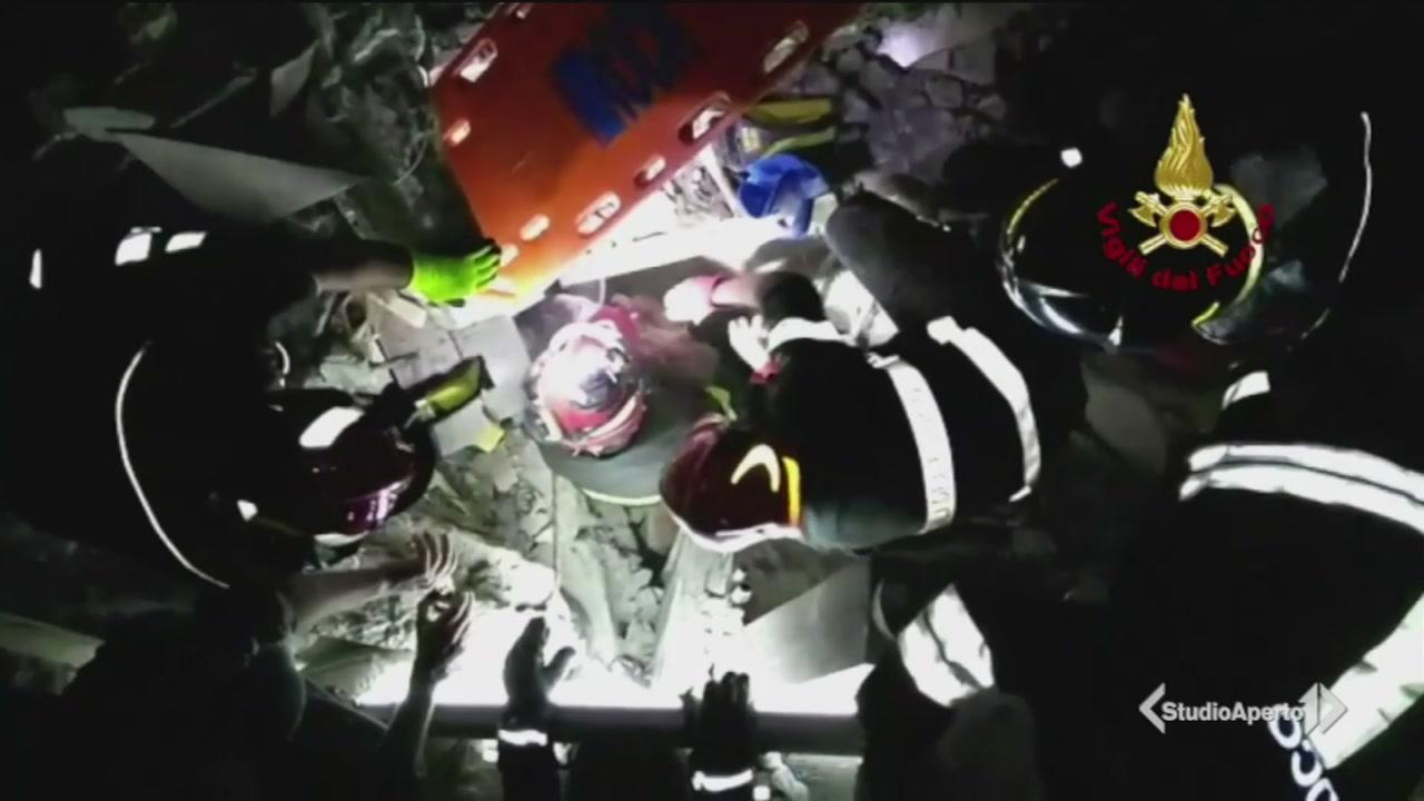 Terremoto a Ischia: continuano i soccorsi