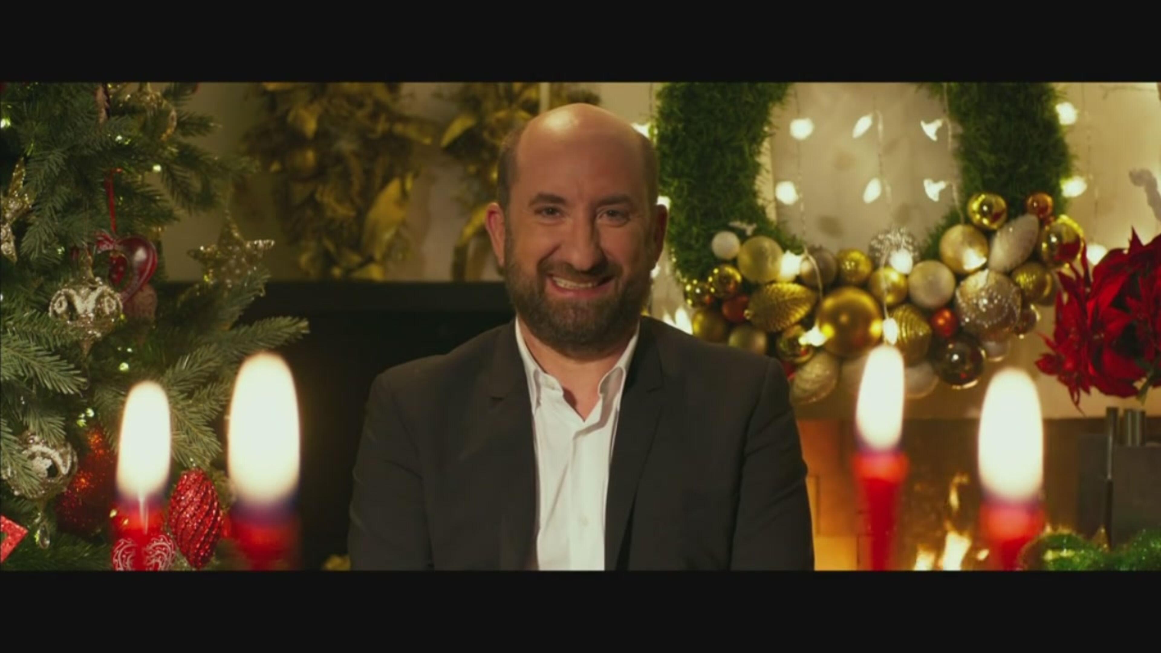 """In attesa di """"Mamma o Papà?"""" (in uscita a febbraio) ecco il Natale di Antonio Albanese"""