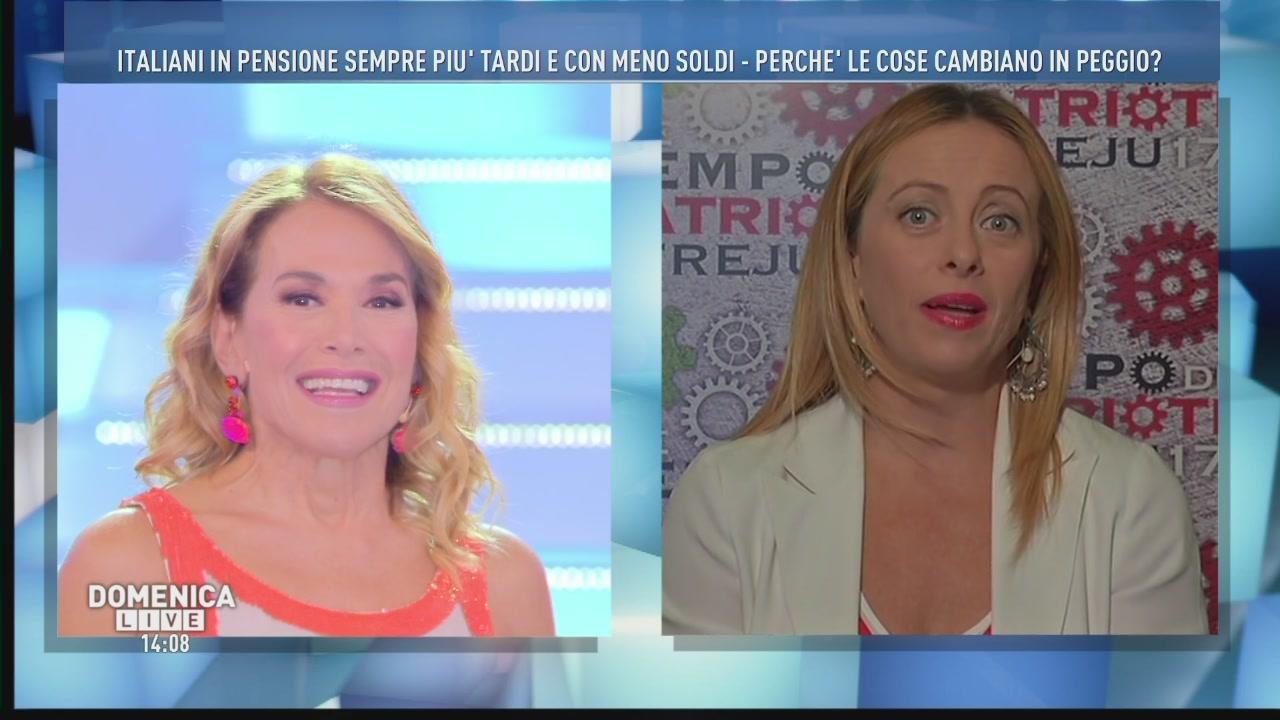 Barbara D'Urso e la piccola gaffe con Giorgia Meloni
