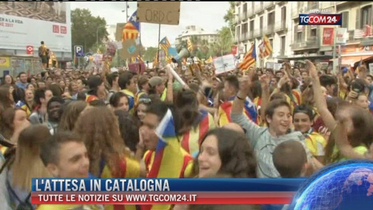 """Referendum Catalogna, chiuso lo spazio aereo. Barcellona: """"Voteremo"""", Madrid: """"Il voto non ci sarà"""""""