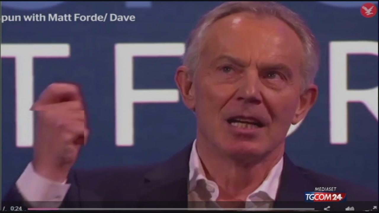 """Tony Blair si cimenta con l'italiano: """"Scusate l'accento"""""""