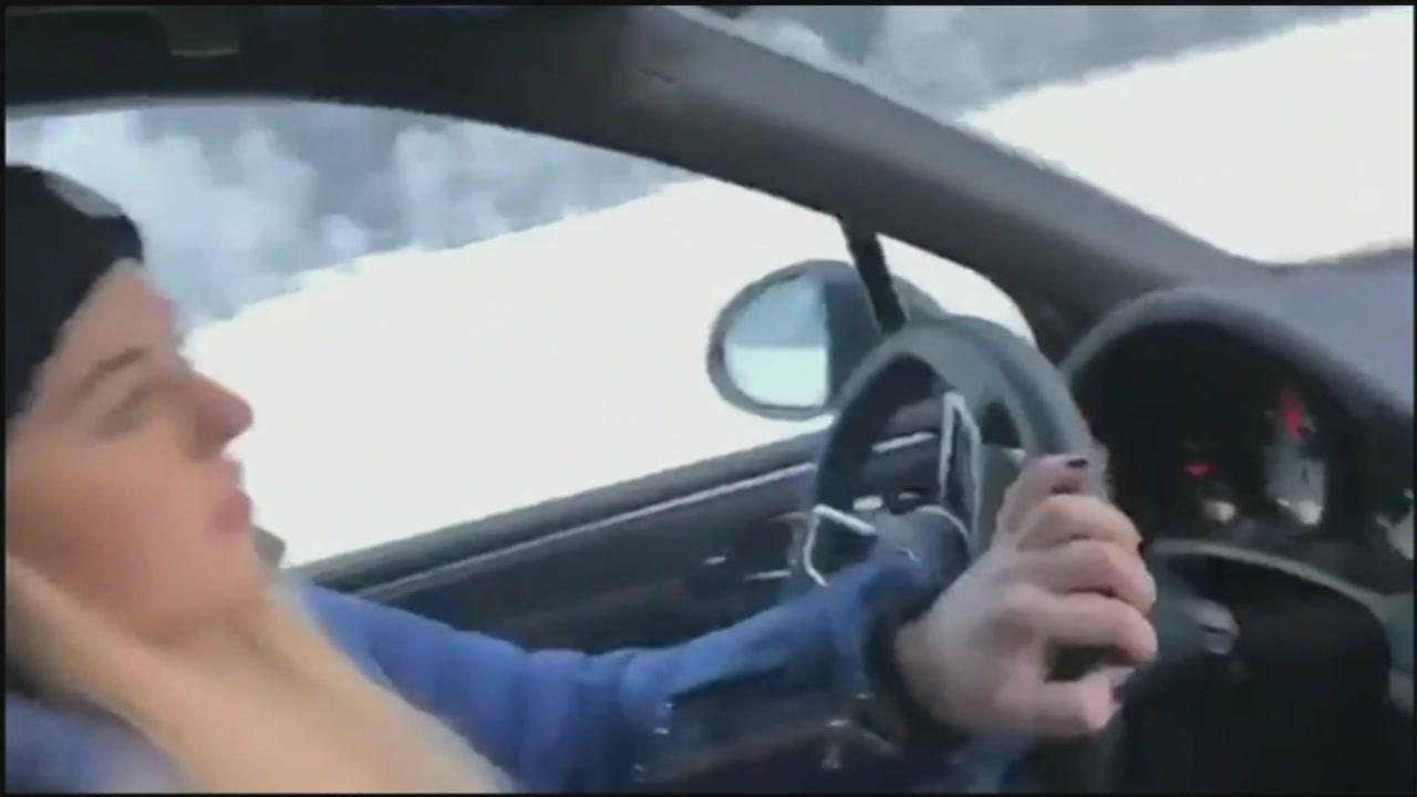 Miss Verstappen alla guida