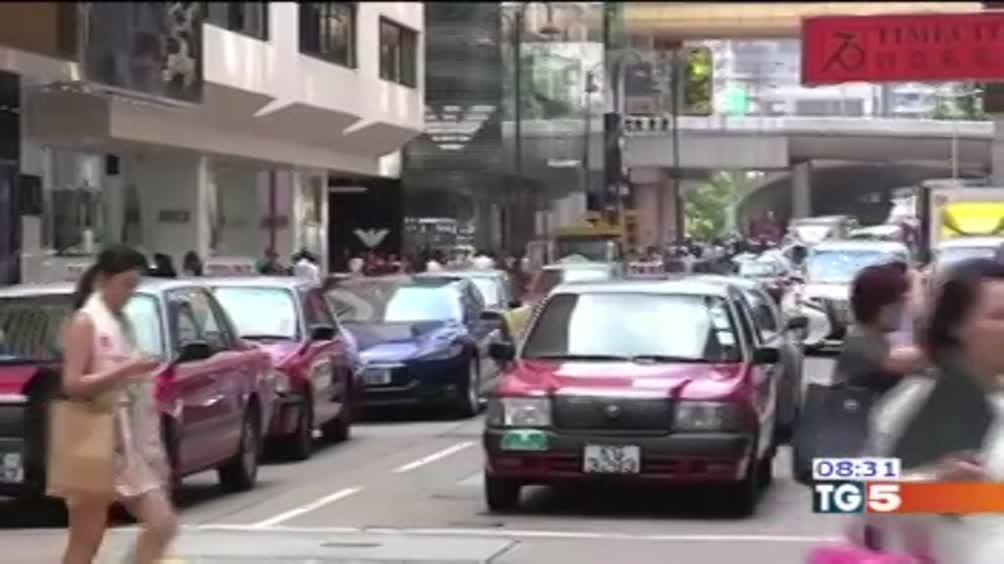 Hong kong: patria dello shopping di lusso
