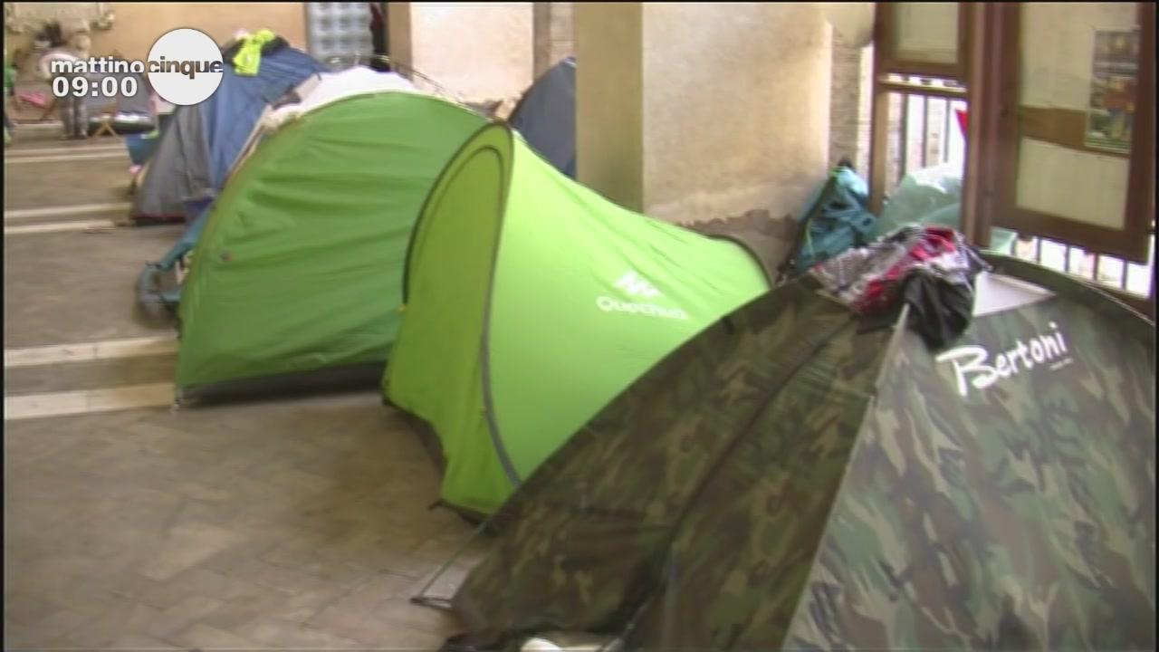 """""""Viviamo in tenda vicino al Colosseo"""""""