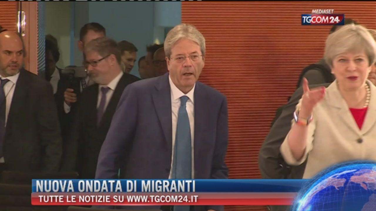 Migranti, Ue: Italia e Grecia eroiche. Gentiloni: chiediamo un aiuto concreto