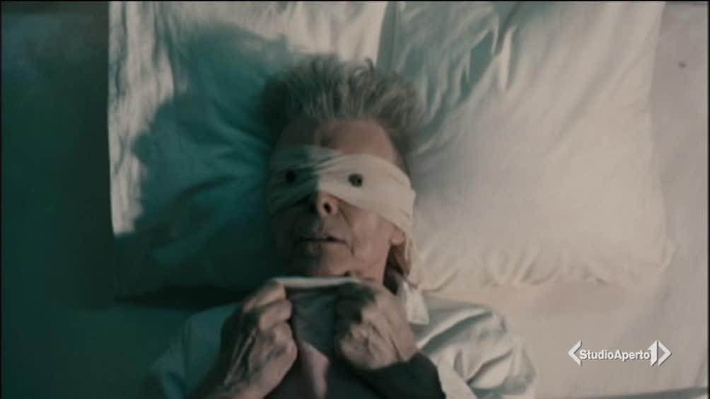 L'omaggio dei Grammy a David Bowie