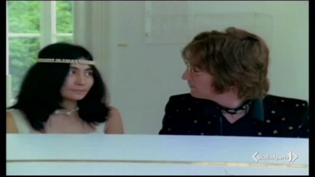 Il primo incontro tra John Lennon e Yoko Ono