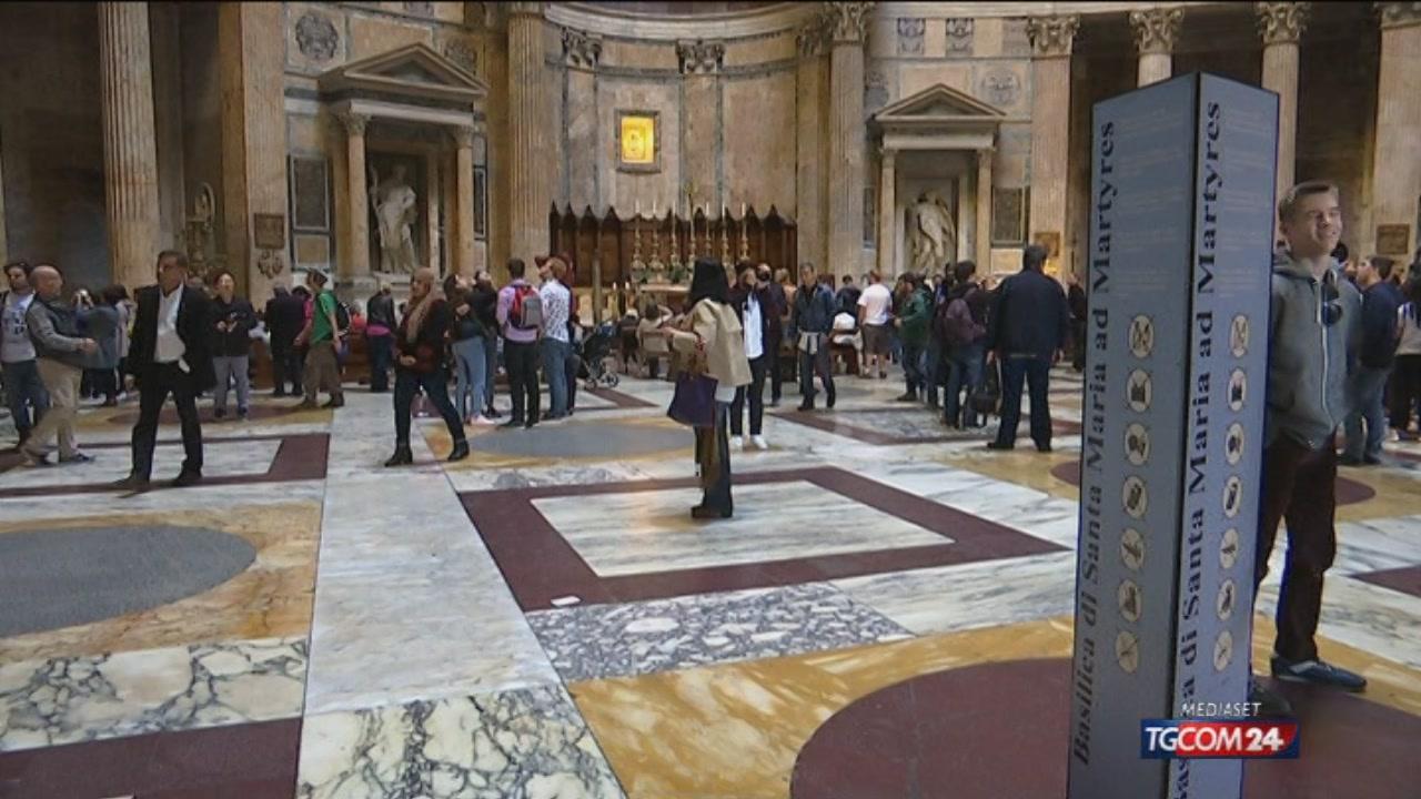 Il Pantheon e gli altri monumenti sfregiati