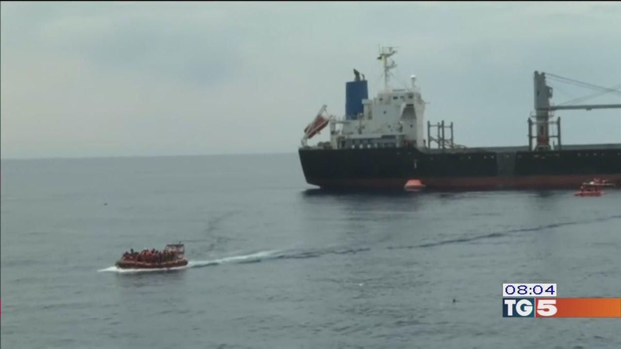 No a nuovi porti per i migranti