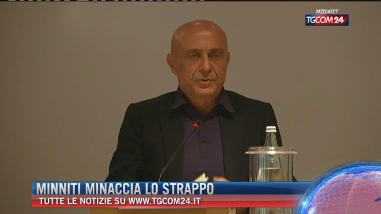 Migranti e Ong, Minniti minaccia lo strappo: Mattarella e Gentiloni blindano il ministro