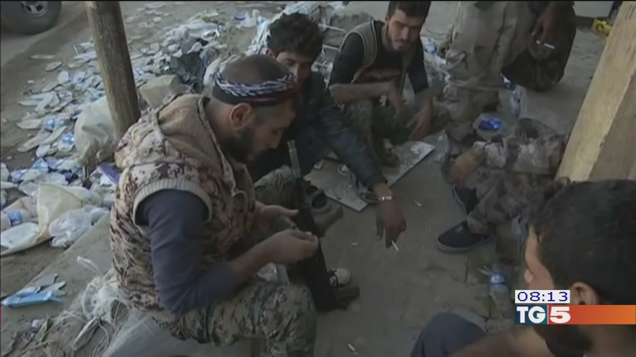 Da Raqqa a Kirkuk, curdi in doppia veste