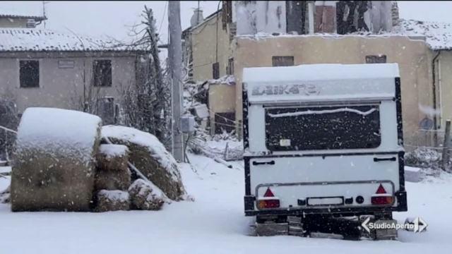 E sui terremotati arriva la neve