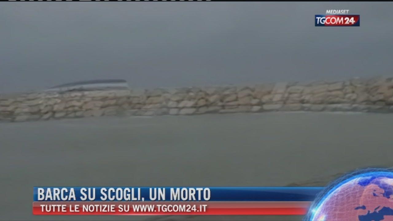 Rimini, barca finisce contro gli scogli per il maltempo: un morto e tre dispersi