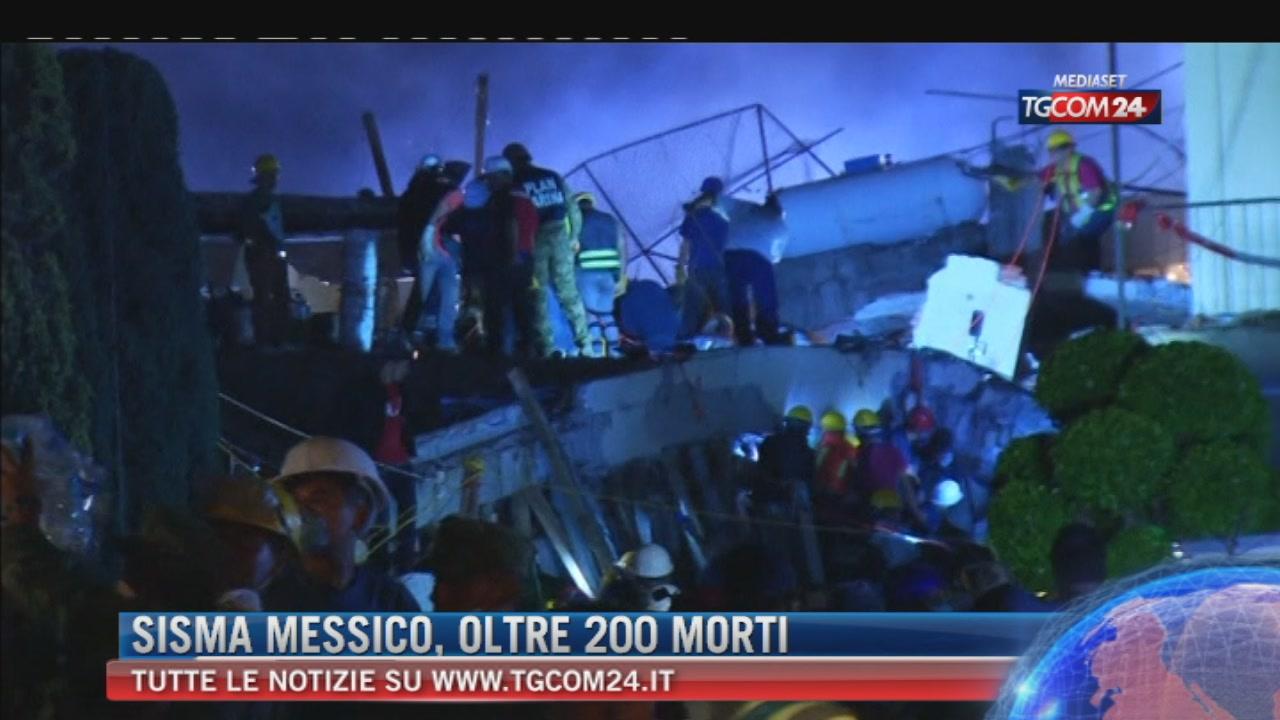 Terremoto in Messico, oltre 225 le vittime. Crolla scuola, strage di bambini