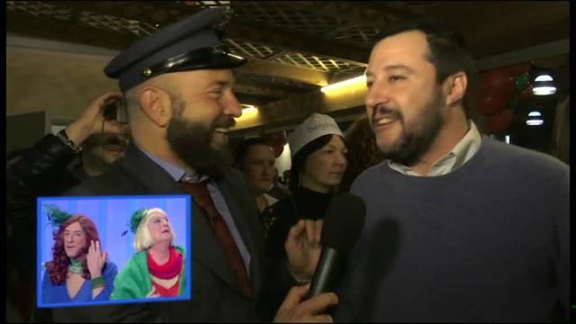 La consegna della posta a Matteo Salvini