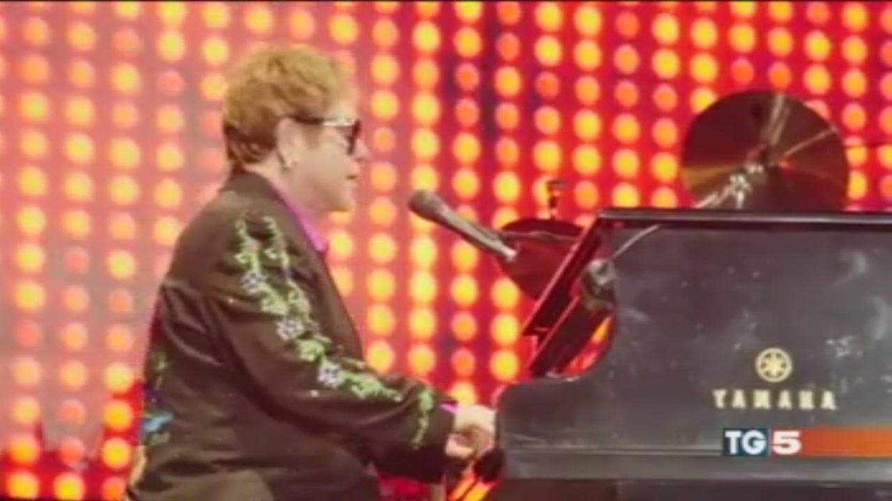 L'omaggio di Elton