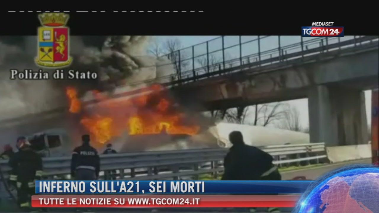 """Breaking News delle ore 21.30: """"Inferno sull'A21, sei morti"""""""
