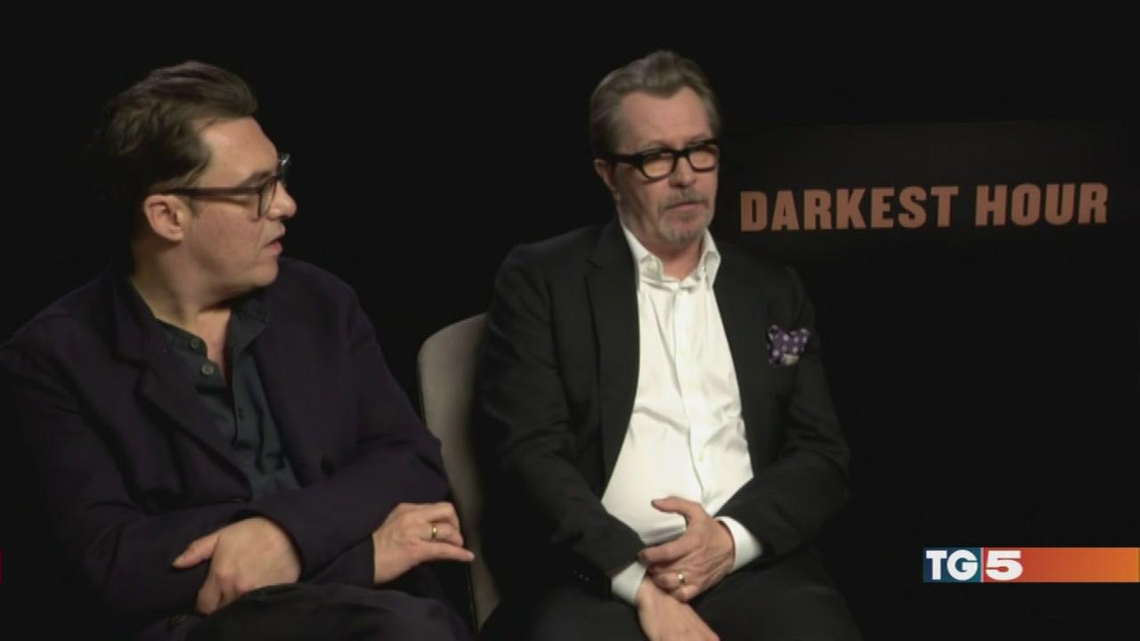 """Gary Oldman è Churchill in """"L'ora più buia"""""""