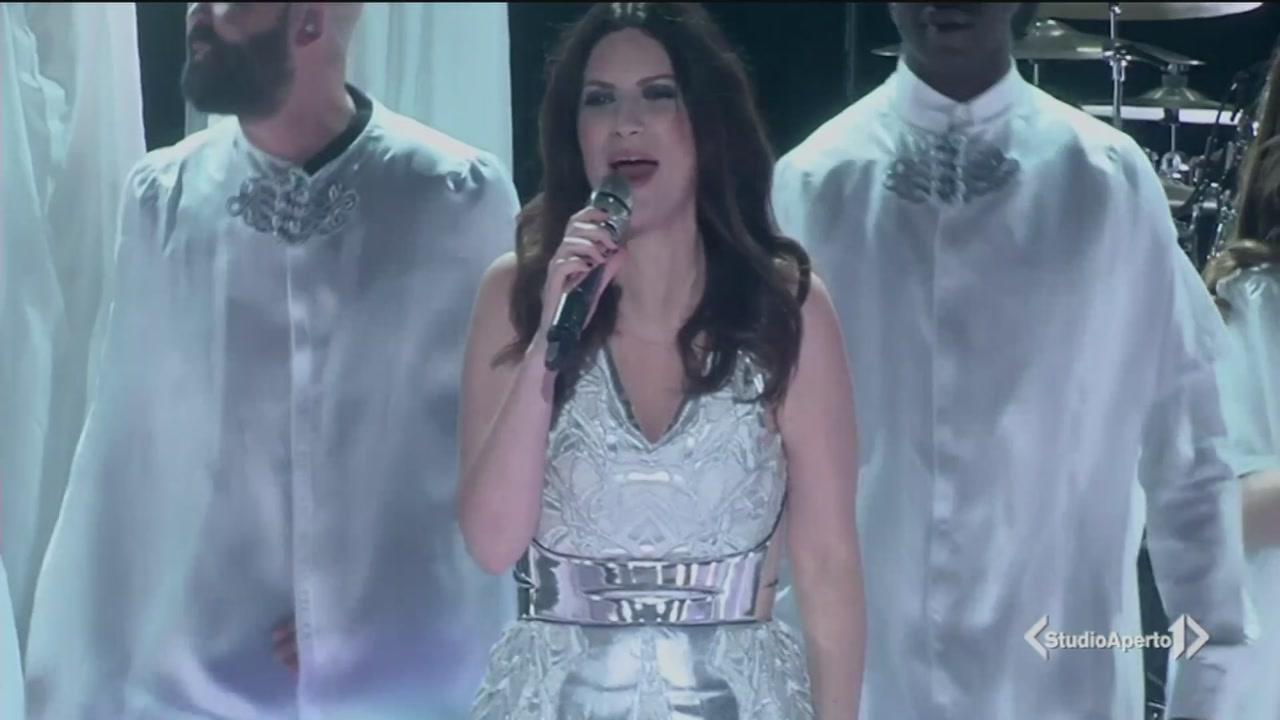 """""""Fatti sentire"""", l'ultimo album di Laura Pausini"""
