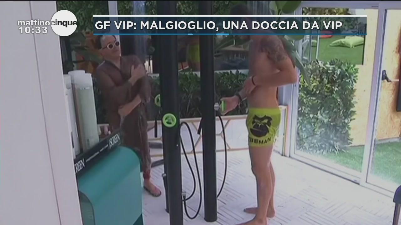GF: Malgioglio, una doccia da vip