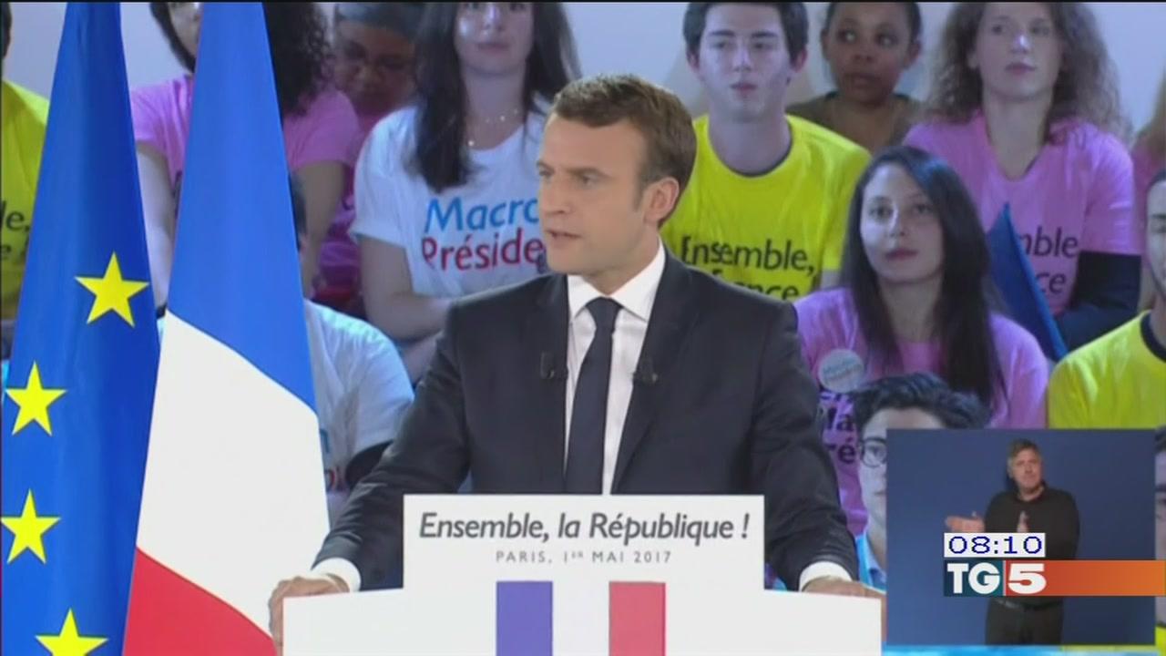 Presidenziali francesi: scontro sempre più acceso