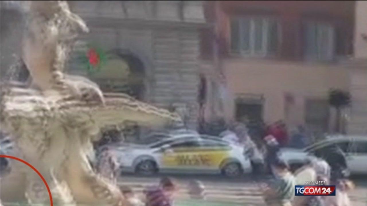 Roma, fontane sfregiate