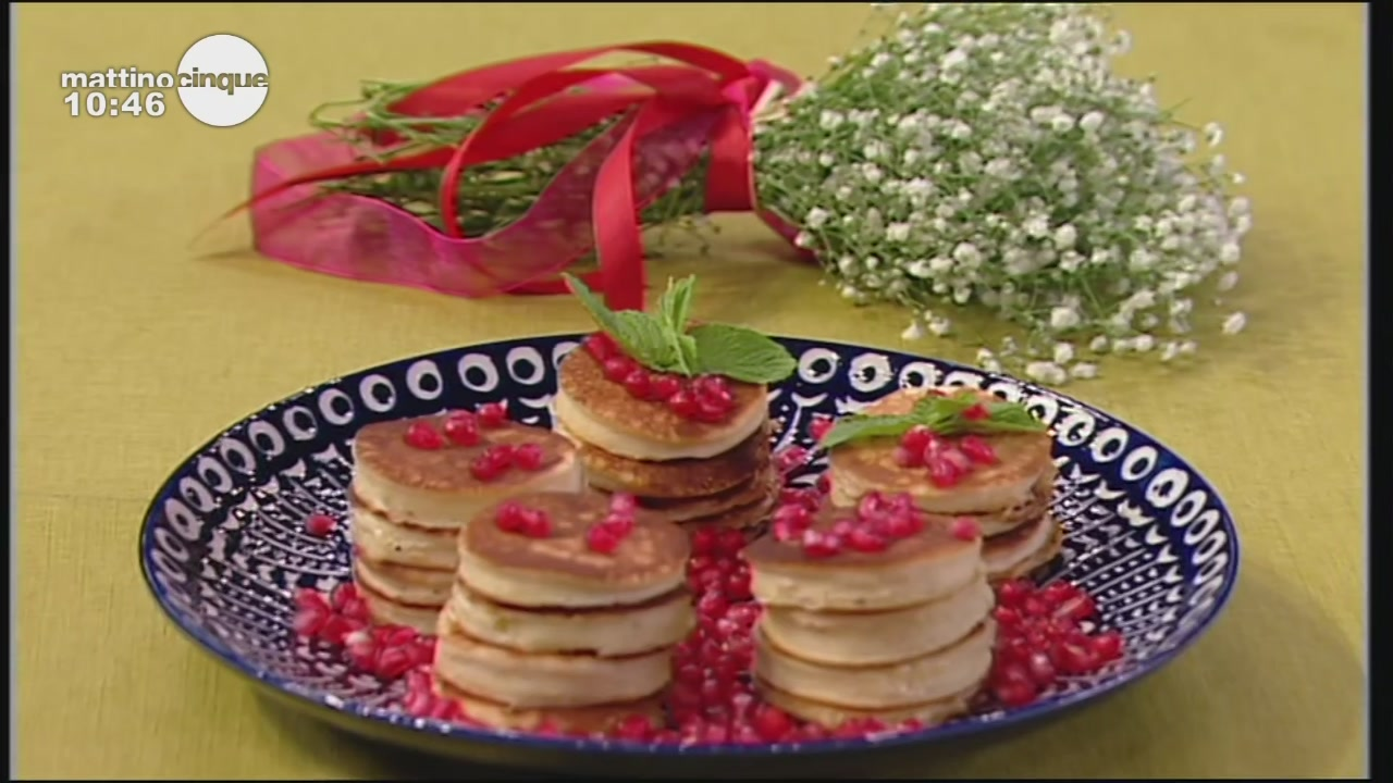Mini pancake ai fiori d'arancio