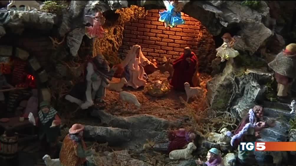 Regali e presepi Natale nell'aria