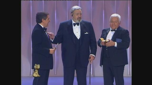Paolo Villaggio premia Perry Mason ai Telegatti 1993