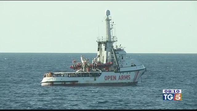 Migranti in mare lo scontro è politico