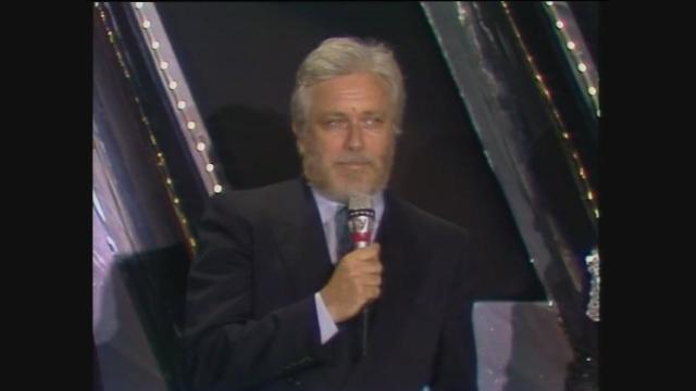Il Telegatto a Luciano De Crescenzo per la trasmissione Bit nel 1985
