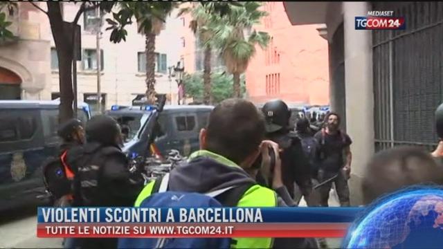 Breaking News delle ore 21.30: Violenti scontri a Barcellona