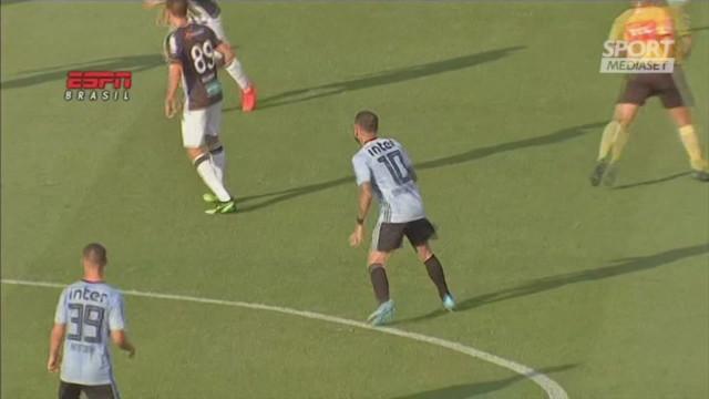 E' subito Dani Alves'show: gol vittoria al debutto in campionato