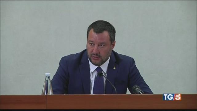 Salvini e parti sociali 'Manovra ad agosto'