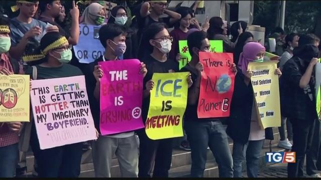 In marcia per il clima 'Non c'è un pianeta B'