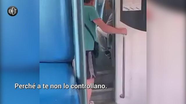 Razzismo, insulti sul treno: 'Hai fatto il biglietto negro del c…?'