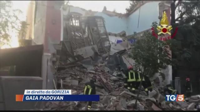 Crolla palazzina 2 morti a Gorizia