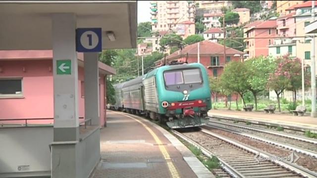 L'intercity è in ritardo, scoppia l'ira dei passeggeri